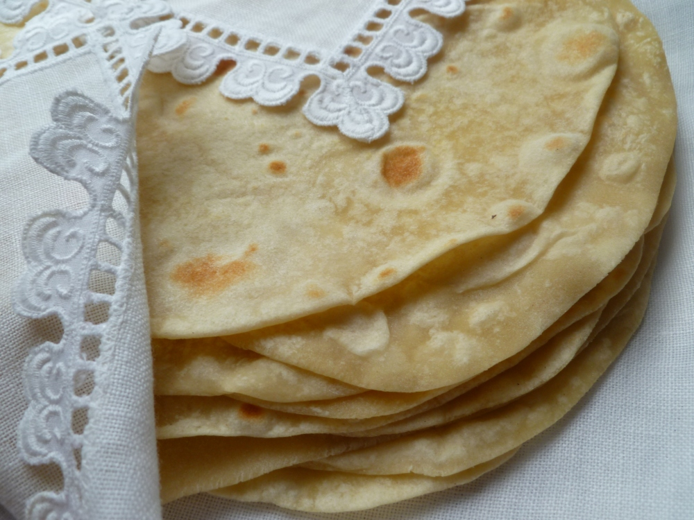 fresh-flour-tortillas-all-steps-and-finished-076