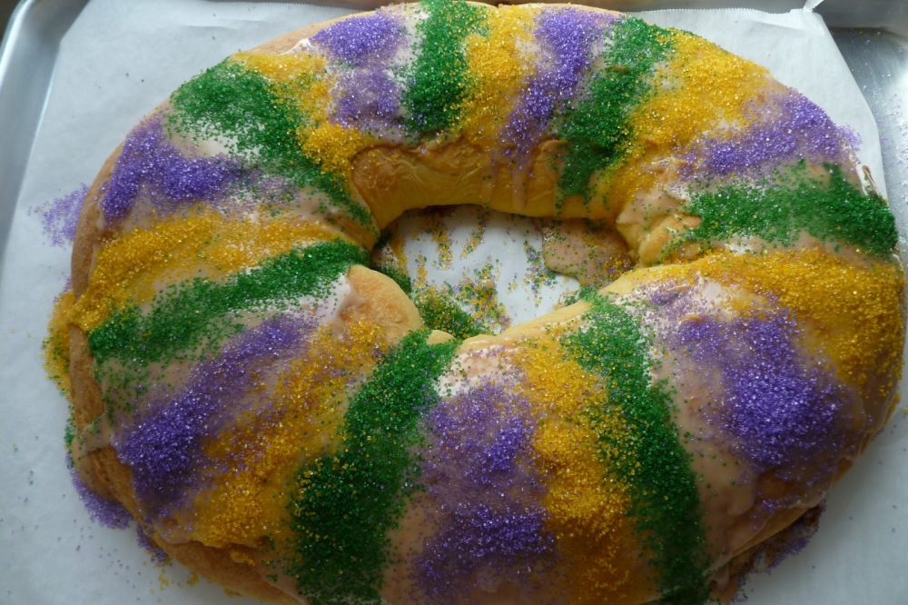 pancake-amazing-cream-king-cake-decorating-idea-with-orange-green-purple-sprinkles-adorable-king-cake-decorating-ideas