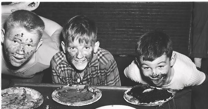 pie_eating_contest_11.jpg